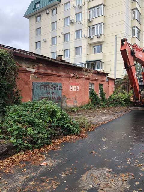 zabroshennyy-kirpichnyy-dom-pered-snosom-voronezh-ulica-ertelya